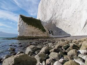 1200px-Horseshoe_Bay_(Culver_Cliff),_Isle_of_Wight,_UK